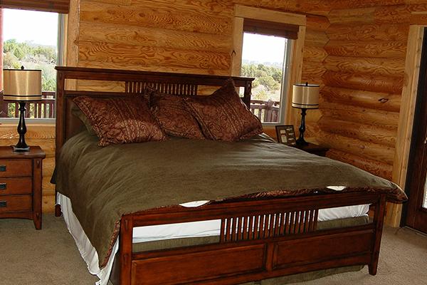 Loon-master-bedroom